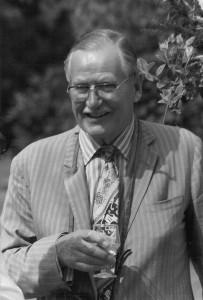 Dr Arthur Connell